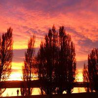秋のクイーンズタウンとワナカ3日目前編:ワナカ湖の朝焼け、散策、リッチーズバスでクイーンズタウンへ