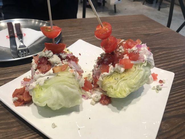 イベント参加でTーwayで韓国に、初めてカンナム方面に泊まりました。近くの飲食店とお店とホテルの様子だけですが。口コミに載せるスポットがなかったので。
