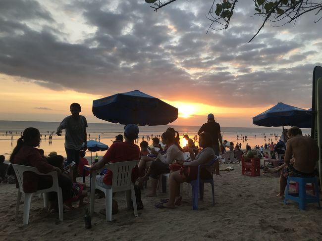 バリ島が大好きで、渡航回数は15回を超えました!!!<br /><br />2018年7月<br />シンガポール経由でバリ島へ。<br />今回の目的は、バリズーで象さんに乗ること!<br />また、旅の後半は、クタエリアに飽きてきたので、ヌサドゥア地区に移動しました。<br /><br />滞在ホテル<br />ザ クタ ビーチ ヘリテージホテル <br />ノボテル バリ ヌサドゥア<br /><br />前半は、クタビーチ、バリズー、ジンバランのイカンバカールの旅行記です。