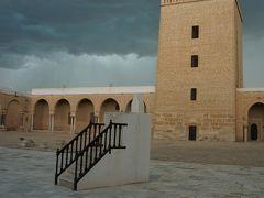2019年4月早春のチュニジア一人旅 3.雷雨の中でグランドモスクを観光