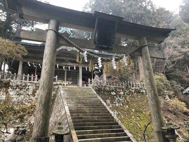 前日に、大神神社へ。<br />帰宅し、再び奈良へ。<br /><br />2019年の初詣パート2です。<br /><br />2019年の初詣は大神神社へ<br />https://4travel.jp/travelogue/11497756<br />
