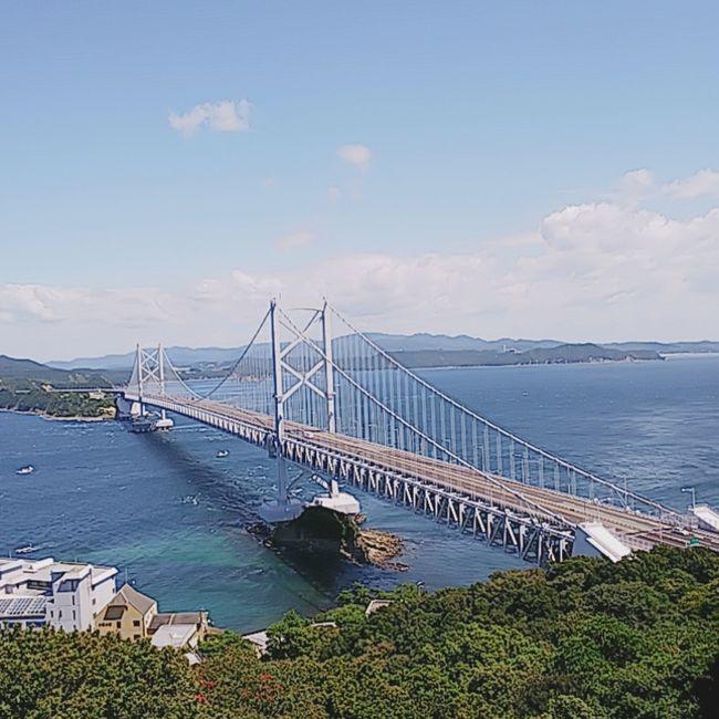 大阪から淡路島を渡り、徳島、高松を巡りました。