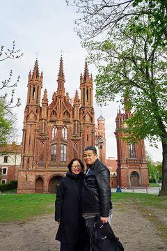 バルト海沿岸5カ国周遊10日間の旅(12)聖ペテロ&パウロ教会の3D漆喰彫刻に驚嘆し、リトアニア雑貨店巡りと買い物を楽しむ。
