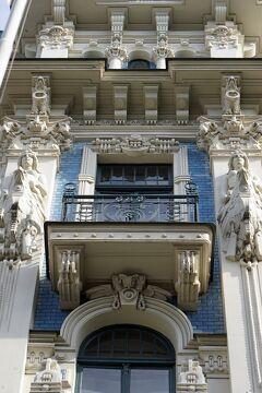 バルト海沿岸5カ国周遊10日間の旅(15)リガ新市街のユーゲントシュティール建築に感動し、映画「戦艦ポチョムキン」を思い出す。