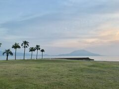 海辺の国分キャンプ海水浴場でテント泊 & トマトラーメンも満喫