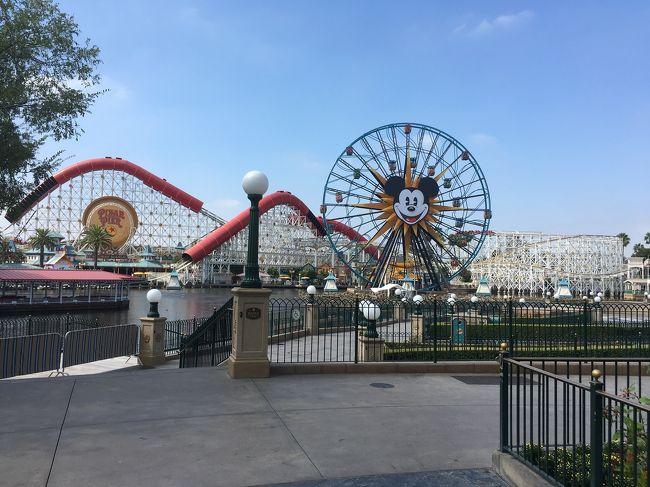 夏休みにロサンゼルス旅行へ行ってきました!<br />アメリカ本土初上陸でした。<br />1日目 ディズニーランド<br />2日目 LA観光<br />3日目 日帰りメキシコ<br />4日目 ディズニーカリフォルニアアドベンチャー<br />という旅程でした