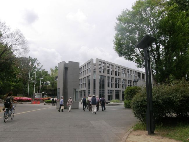 第69回埼玉県美術展覧会が北浦和の県立美術館で開催されているので、写真クラブや絵画クラブの有志で県立美術館を訪れてみました。<br />観賞後は、食事・お茶をして美術論議に花が咲きました。