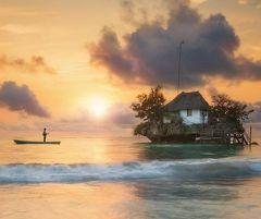 ザンジバル島で一番有名なレストラン THE ROCK!!