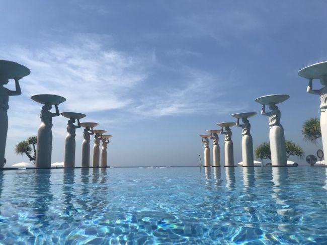 いつもコスパを意識した旅行をしていますが、久々にご褒美旅行。<br />インドネシア バリ島を楽しみます。<br /><br />マレーシア航空を利用しました。<br />成田→マレーシア  一泊  Shangri-La Hotel Kuala Lumpur<br />マレーシア→バリ島 三泊<br />          ウブド Onje Resort and Villa Ubud<br />          ウブド Ayung Resort Ubud プール付きヴィラ <br />          ヌサドゥア The Mulia<br />バリ島→マレーシア トランジットのみ<br />マレーシア→成田<br /><br />航空、飲食、エステ、マッサージ、交通、しめて20万円程。<br /><br />
