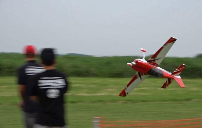 IMAC JAPAN 野田大会(大型ラジコン飛行機大会)<br />を見学、撮影してきました。<br /><br />IMACとはInternational Miniature Aerobatic Clubの略で<br />世界的に開催されているラジコン飛行機の大会。<br /><br />場所は千葉県野田市の利根川河川敷にある<br />野田スポーツ公園。<br /><br />とりあえずダイジェスト版(フリースタイル部門)<br />を動画でどうぞ。<br />https://www.youtube.com/watch?v=HtPAq574QOY&amp;t=279s<br /><br /><br /><br />