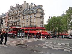 すずらん香るパリのカフェとメトロ