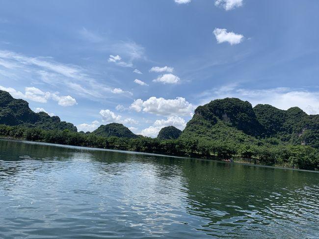 香港旅行のはずが…ハノイがメインに…<br />ハノイ4泊と香港2泊の旅行記珍道中です!<br />お天気にも恵まれて、行きたいとこをほとんど行ける♡<br />というラッキーな旅でした…<br />予想以上に暑くて毎日汗だくになりました…<br />4日目のチャンアンは特に過酷でした…(;_;)<br />(噂には聞いていて、それでもまだ大丈夫なのを選んだ)<br /><br />《ベトナムで体験したいこと》<br />☆世界遺産の『ハロン湾』に行きたい!<br />☆人生未体験の『フォー』を食したい!<br />☆『エッグコーヒー』飲みたい!<br />☆『蓮の花』をみたい!<br />☆エステ…できればネイルもした~い!<br />☆『水上人形劇』みたい!<br /><br />なんと!滞在3日ですべてクリア~!