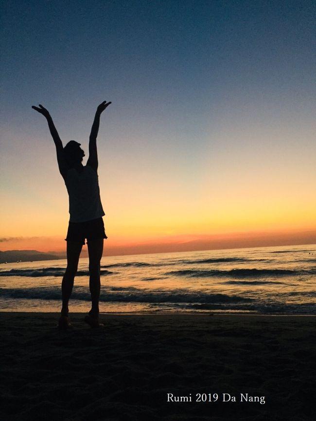 優雅にリゾートしたい!!!<br />数々の候補の中から選んだのはここ数年一気に知名度上げてるベトナム【ダナン】<br />夏が短い北海道からベトナムへ夏を満喫しに・・<br />超大人女子2人のあくせくしないグータラ旅行♪<br /><br />■2019年6月7日(金)~ 209年6月11日(火)<br />・新千歳空港 ⇒ 仁川空港(韓国)⇒ ダナン国際空港第2ターミナル 【往復】<br />・全て大韓航空<br /><br />■プルマン・ダナン・ビーチ・リゾート 3泊<br />・デラックスルーム/ツイン<br /><br />※2日目はダナン市内とホテルステイゆっくり堪能♪