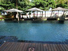バリ島:ベランダのジャグジーからインド洋を楽しむ(アナンタラ スミニャック)