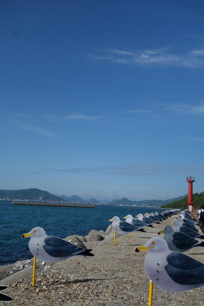 朝イチのフェリーに乗って、女木島・男木島へ。