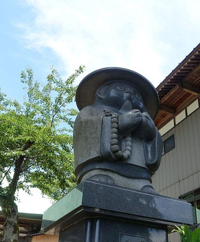 石川雲蝶を見るために新潟へ来ましたが、移動の公共交通機関がないのでレンタカーを借りました。西福寺の開運堂天井には圧倒され、畳の上に仰向けになって見ていたいほどでした。<br />北海道では味わえないアユと簗場を見て、次に向かったのが永林寺。雲蝶らしさがあふれた作品だったが、面白かったのがここの和尚の話。<br />西福寺も永林寺も写真禁止なのが残念でした。<br />これにて旅のクイは抜けました。<br /><br />そして時間があれば見たいと思っていた、長岡市が今回一番面白かったことになります。<br />山本五十六記念館では館内の係りの女性教師的雰囲気の人から色々教わり、河井継之助記念館でも「えっ、そうなの。」と言う話や資料を見て俄然興味が沸きました。<br />何よりも、我がタイガースとアサヒビールを生んだ外山脩造は、河井継之助の末期を看取った人。すごいぞタイガース。<br />現在、司馬遼太郎作「峠」をもとに映画作成中とか。<br />また、日本で初めて開拓使麦酒醸造所でビールを造ったのは長岡出身の中川清兵衛。<br />なんだかすごいぞ長岡。