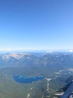 ガルミッシュ・パルテンキルヒェン_Garmisch-Partenkirchen ドイツ最高峰!ツークシュピッツェを抱く町