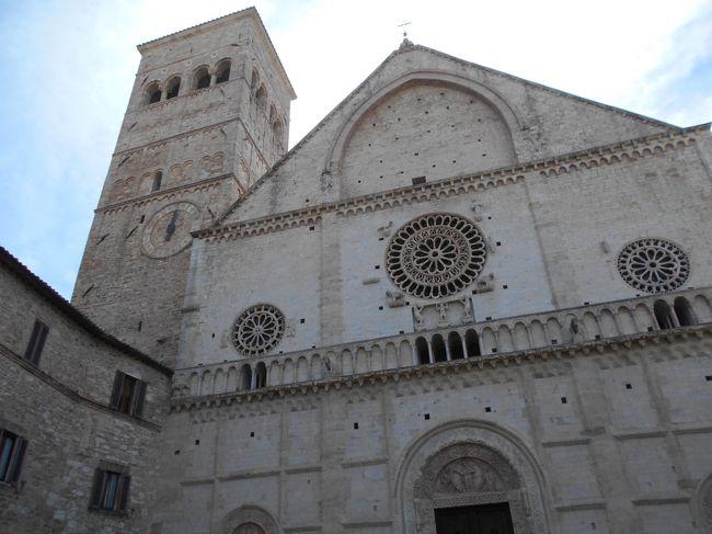 フェデリーコ2世紀行-3 アッシジ・洗礼