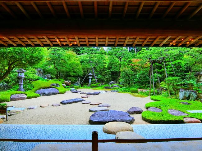 平田本陣は、酒造業や木綿販売などで財を成した豪商屋敷。<br />平田本陣記念館を訪問した後、島根ワイナリーへ。<br />表紙写真は平田本陣記念館の庭。