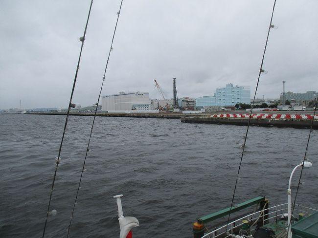 前日は川崎泊、天気予報は雨。<br />朝起きてテレビを見ていたら山下公園が映ったので行ってみた。<br />結果として船に乗れたのか。