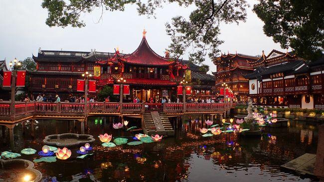 バルセロナからの帰りアブダビ経由で上海へ <br />上海で1泊して日本に戻りました。