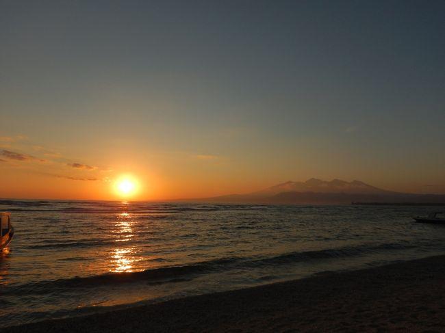 パダンパイ1泊→ギリメノ3泊→クタ4泊。<br />7/5夜発で8泊10日のインドネシア旅行。<br />毎日カラッと晴れて心地いい風。<br />美しい海に優しくて陽気な人々。<br />帰国後もまだ絶賛梅雨真っ盛りの日本、、<br />洗濯ストレスが半端じゃないのですが、、<br />バリが恋しい今日この頃です。<br /><br />夫が作成した今回のハイライト動画です。<br />よかったらご覧下さい♪<br />https://youtu.be/zZANiIgySdQ