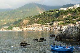 魅惑のシチリア×プーリア♪ Vol.24 ☆イタリア美しき村「シッラ」:港から美しい町並み♪
