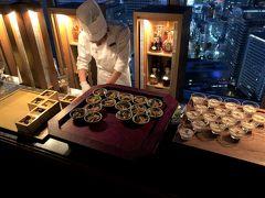 新宿の高層階にある5つ★ホテル『パークハイアット東京』【ピークラウンジ&バー】「ピーク オブ ジョイ」は三段トレイ&アルコールのフリーフロー