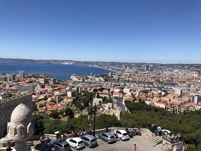 ホノルルからパリ経由<br /><br />パリからニース<br /><br />まずはマルセイユ、そしてニース、モナコで 6泊<br /><br />そのあとパリ、ベルサイユで6泊ののフランスへの旅<br /><br />初めてのフランス!<br /><br />