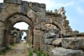 魅惑のシチリア×プーリア♪ Vol.51 ☆ティンダリの古代ギリシア遺跡:古代都市の隣は神殿があった♪