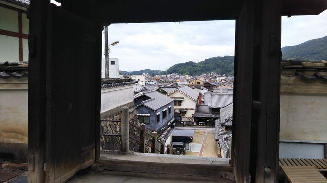 竹原の歴史的な街並みでアナゴ&日本酒