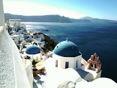 ギリシャの旅 サントリーニ島 街歩き&崖沿い洞窟ホテル体験