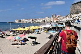 魅惑のシチリア×プーリア♪ Vol.82 ☆チェファルー:旧市街からビーチの無料リドへGO!♪