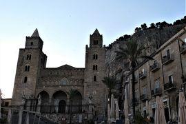 魅惑のシチリア×プーリア♪ Vol.87 ☆チェファルー:朝の散歩 山影の大聖堂♪