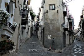 魅惑のシチリア×プーリア♪ Vol.88 ☆チェファルー:朝の旧市街 中世時代の面影はどこへ♪