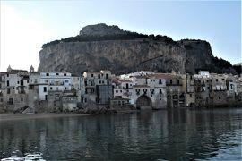 魅惑のシチリア×プーリア♪ Vol.90 ☆チェファルー:埠頭から朝の旧市街を眺めて♪
