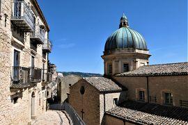 魅惑のシチリア×プーリア♪ Vol.115 ☆イタリア美しき村「ガンジ」:古城や大聖堂を眺めて♪