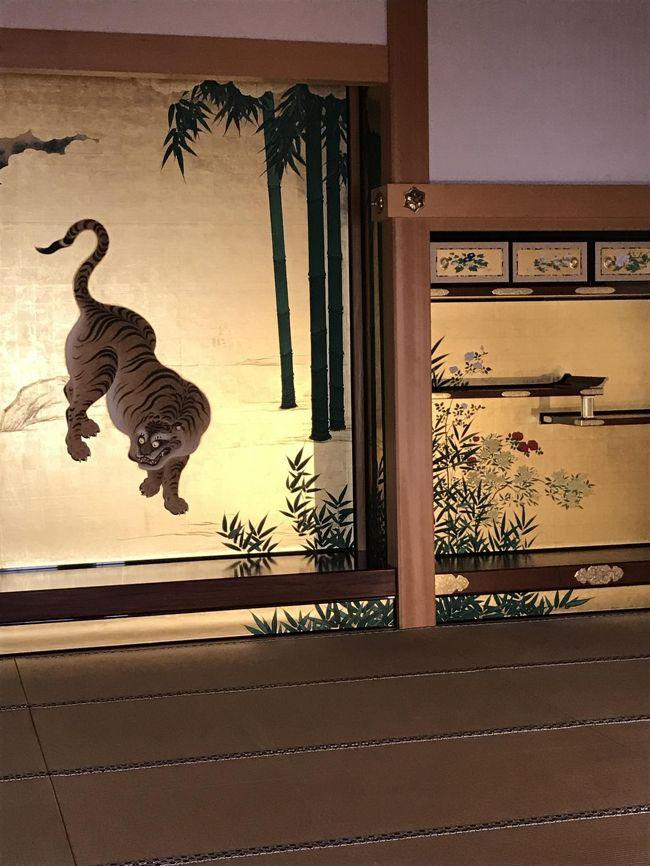 名古屋に所用で行くことになり ぜひ行ってみたかった 名古屋城本丸御殿に出かけました。<br />8月の猛暑の真っただ中 決してお勧めできる時期ではございません。<br />お城自体は素晴らしかったのですが。