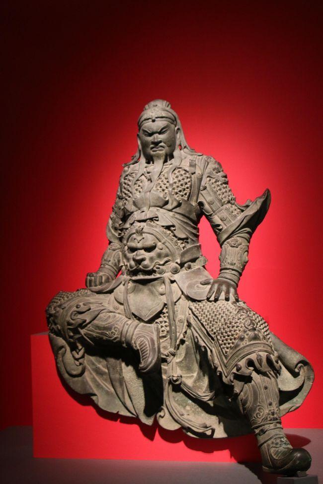 いろんな文化に触れるため、東京におのぼりしちゃいました。美術館に博物館に、そしてシアターへと。都会は地方の人にとって刺激が強すぎる?。<br />
