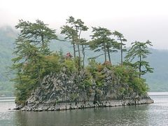 青森県側の十和田湖と奥入瀬を観光。