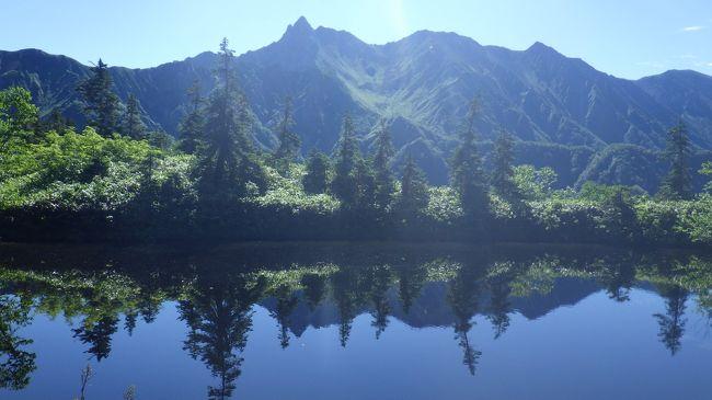 連日35度以上の猛暑ーー  涼を求めて北アルプスの入り口、双六岳に。鏡平小屋と双六小屋にお世話になり、各小屋でのんびり知らない登山者と語り合い、涼しい中楽しんできました。