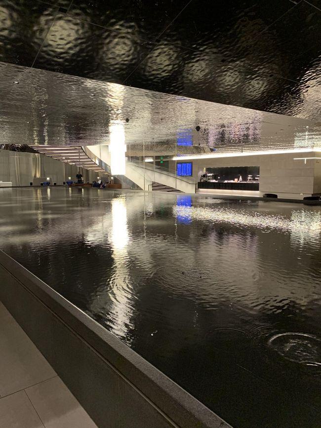 ドーハ空港で乗り継ぎ。<br />話題の【アルムルジャン ビジネスラウンジ】に!<br /><br />5つ星ホテルのようなラウンジと言われているので、とても楽しみにしてました!