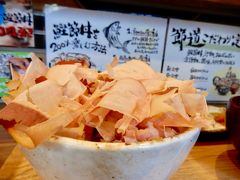 三条通さんぽ気分で通勤を楽しもう♪  6月オープン最高級の本枯節削り立て鰹節丼朝食「節道」