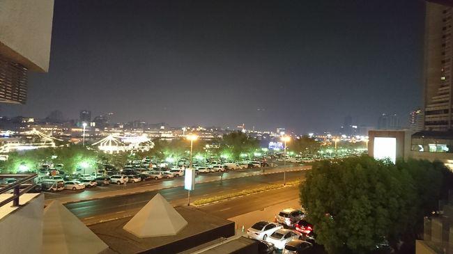 次の訪問地ドバイに到着しました。中東のゲートウェイです。今回の旅行では1泊滞在です。何度も来ていますし、真夏で暑いということもあり、特に観光もせず街ブラ中心に過ごしました。