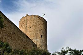 魅惑のシチリア×プーリア♪ Vol.167 ☆イタリア美しき村「サレーミ」:古城を眺めながら朝食♪