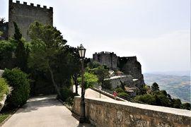 魅惑のシチリア×プーリア♪ Vol.212 ☆エリーチェ:バリオ庭園からサン・ヴィート・ロ・カポを眺めて♪