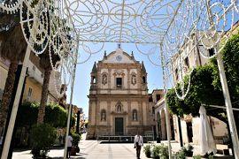 魅惑のシチリア×プーリア♪ Vol.237 ☆アルカモ:カラフルな傘と美しい大聖堂♪