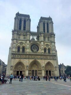 パリ ベルサイユ宮殿とノートルダム大聖堂とオペラ座