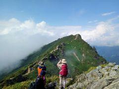 【谷川岳】美しい稜線歩き☆山々が重ねる緑のグラデーション!