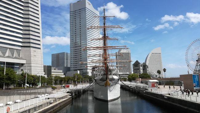 2018年の夏は友人2人と東北6日間+1日の旅へ。東京に立ち寄って新潟を経由して会津若松へ。翌日は仙台・松島を観光して牡蠣を食べたかと思えば次の日は盛岡で新幹線の連結を目撃し弘前城、八甲田丸記念館を楽しんで青函トンネルで舞台は北海道へ。<br />函館朝市で海鮮丼を食べたら五稜郭に立ち寄ってスーパー北斗で札幌へ。定山渓温泉を楽しみファイターズショップに寄って新千歳空港から飛行機で帰る7日間だが…<br />メンバーは大阪&鳥取在住なのに集合するのは新潟県の長岡!?乗継の余裕が無いのに台風襲来!?1人だけ東京前乗り!?<br />仙台のホテルが取れなくて山形へ!?真夏の東北はアクシデント続きで神戸空港まで目が離せない…かもw<br />いつもの通り利用した列車はこちらに掲載。<br />1日目<br />新大阪657→のぞみ294号→911新横浜<br />新横浜917頃→普通湘南台行→932桜木町<br />桜木町1139→快速南浦和行→1152鶴見<br />鶴見1200→普通扇町行→1217扇町<br />扇町1220→普通鶴見行→1237鶴見<br />京急鶴見1250→普通品川行→1254京急川崎<br />京急川崎1301→快特青砥行→1304京急蒲田<br />京急蒲田1310→快特羽田空港行→1318羽田空港国内線ターミナル<br />羽田空港第2ビル1326→空港快速浜松町行→1345浜松町<br />大門1409→都庁前行→1417月島<br />月島→新木場行→豊洲<br />豊洲1443→新橋行→1446市場前<br />市場前1450頃→新橋行→1518新橋<br />新橋→渋谷行→赤坂見附<br />赤坂見附→荻窪行→中野坂上<br />中野坂上→方南町行→方南町<br />方南町→中野坂上行→中野坂上<br />中野坂上→池袋行→四ツ谷<br />四ツ谷→浦和美園行→後楽園<br />後楽園1708→急行日吉行→1718溜池山王<br />溜池山王→渋谷行→渋谷<br />渋谷1737→急行吉祥寺行→1744明大前<br />明大前1748→準特急新宿行→1757新宿<br />新宿→池袋行→赤坂見附<br />赤坂見附→浅草行→末広町<br />末広町→渋谷行→銀座<br />銀座一丁目→桜田門<br />霞ヶ関2135→普通綾瀬行→2203綾瀬<br />綾瀬→北綾瀬行→北綾瀬<br />北綾瀬→綾瀬行→綾瀬<br />綾瀬2232→普通我孫子行→2252南柏<br /><br />2日目<br /><br />南柏718→普通取手行→721柏<br />柏729→普通船橋行→802船橋<br />京成船橋813→普通上野行→817京成西船<br />西船橋833→通勤快速中野行→907大手町<br />東京1056→とき363号新潟行→1300新潟<br />万代シテイバスセンター1410→新潟交通高速バス→1616鶴ヶ城・合同庁舎前<br />鶴ヶ城入口1802頃→会津バスハイカラさん→1824頃東山温泉駅<br /><br />3日目<br /><br />会津武家屋敷前→会津バスハイカラさん→若松駅前<br />会津若松954→普通郡山行→1111郡山<br />郡山1120→やまびこ133号仙台行→1204仙台<br />仙台1236→普通東塩釜行→1240宮城野原<br />宮城野原1256→普通高城町行→1330松島海岸<br />松島1603→普通仙台行→1630仙台<br />仙台駅前→仙台市営バス→1659頃大崎八幡宮前<br />牛越橋1733頃(定刻1730)→仙台市営バス川内駅行→1736頃(定刻1734)川内駅<br />川内1742→八木山動物公園行→1748八木山動物公園<br />八木山動物公園駅1755→仙台市営バス青葉台行→1758仙台城跡南<br />国際センター→荒井行→仙台<br />仙台2027→快速山形行→2139山形<br /><br />4日目<br /><br />山形553→普通新庄行→621神町<br />神町629→普通米沢行→656山形<br />山形駅前810頃→山形交通高速バス→920頃仙台駅前<br />仙台駅前→仙台市営バス→県庁市役所前<br />広瀬通一番町→仙台市営バス→仙台<br />仙台1043→普通小牛田行→1127小牛田<br />小牛田1135→普通一ノ関行→1221一ノ関<br />一ノ関1314→やまびこ47号→1354盛岡<br />盛岡1435→こまち21号→1608秋田<br />秋田1731→快速弘前行→1946弘前<br /><br />5日目<br /><br />弘前600→黒石行→619津軽